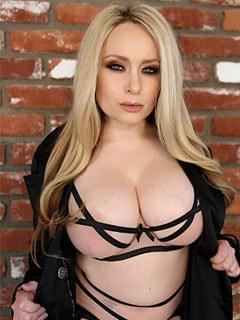 Порно модель Aiden Starr