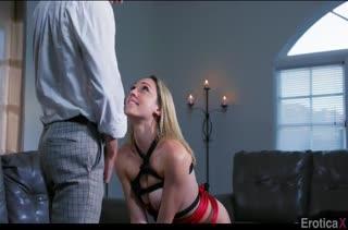 Обвязал Lily Labeau веревками и устроил с ней порно