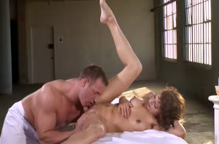 Lexi Bloom решила испытать большой ствол массажиста