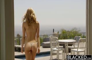 Милая Alli Rae пригласила на секс свидание черного самца