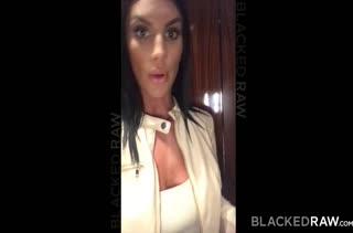 August Ames снимает с негром смачное любительское порно