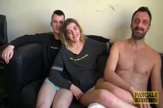 Rhiannon Ryder легко залезла в штаны к парню и устроила хардкор