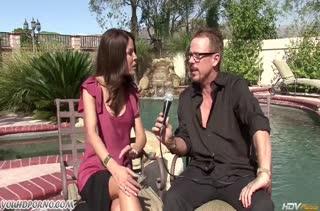 После интервью зрелая Tabitha Stevens захотела секса